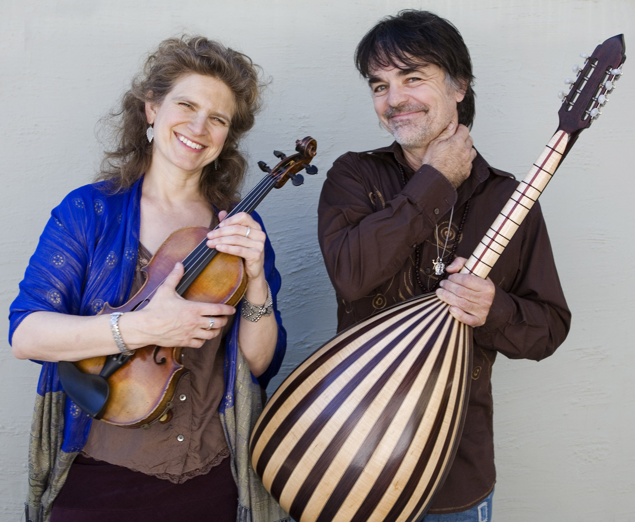 Teslim : Original and traditional acoustic string music with